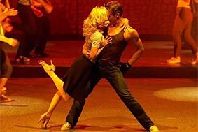 Der neue Weg der Fitness - Tanz der Sinne - Freude an der Bewegung.